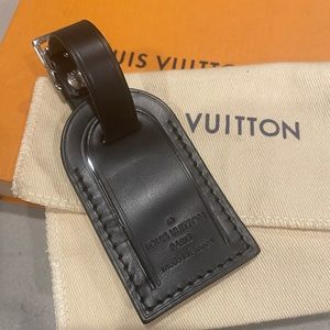 Louis Vuitton Accessories - SOLD 🚫 Louis Vuitton Mini Luggage Tag